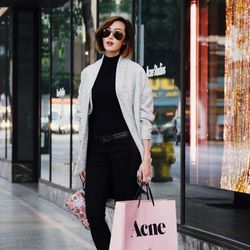 """Chriselle of <a href=""""http://thechrisellefactor.com""""target=""""_blank""""> The Chriselle Factor</a> is wearing an H&M top, Hudson jeans, a <a href=""""http://lucidlabel.com.au/store/product/luj113-oversized-interknit-double-coat/""""target=""""_blank"""">Lucid Label</a>"""