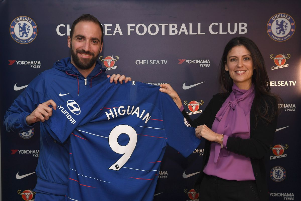 0fe206104 Gonzalo Higuaín latest brave soul to take on cursed Chelsea shirt number