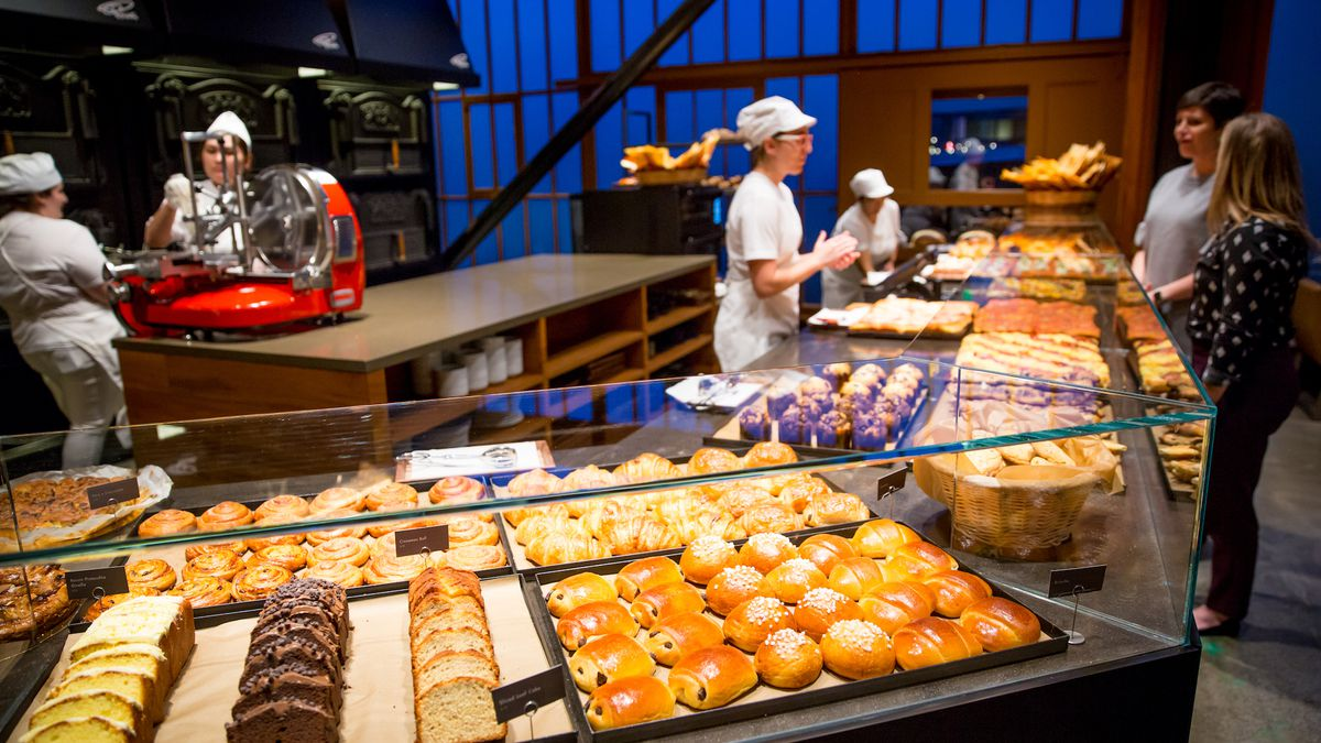 Starbucks Gets Into The Bakery Cafe Business Again Eater