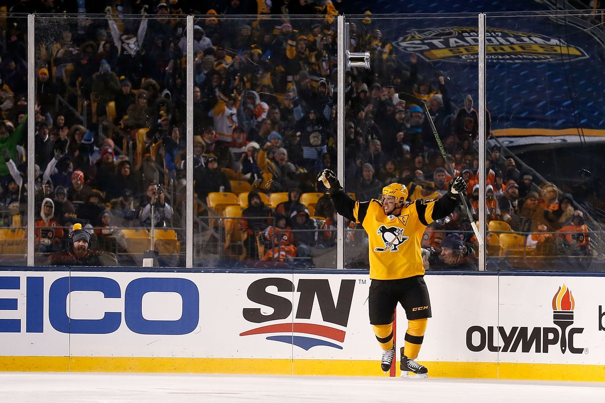 269b8382 Stadium Series Recap: A Night They'll Never Forget. Pens Defeat Flyers 4-2.