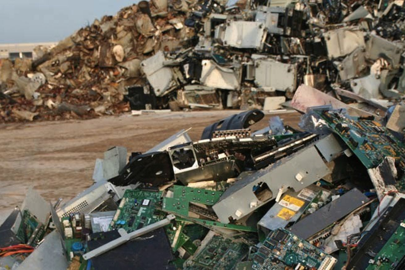why failing to recycle electronics leaves gold mines untapped