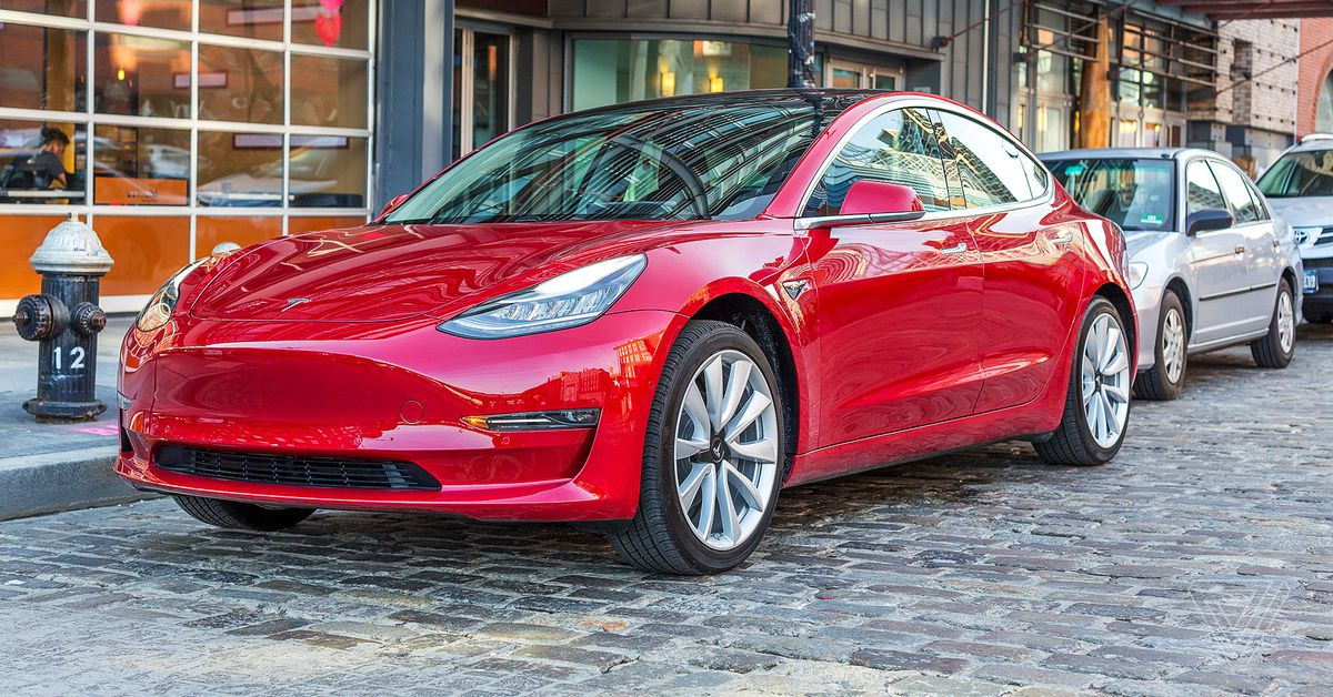 Tesla reportedly adding USB-C ports and wireless phone charging to US-made Model 3 vehicles thumbnail