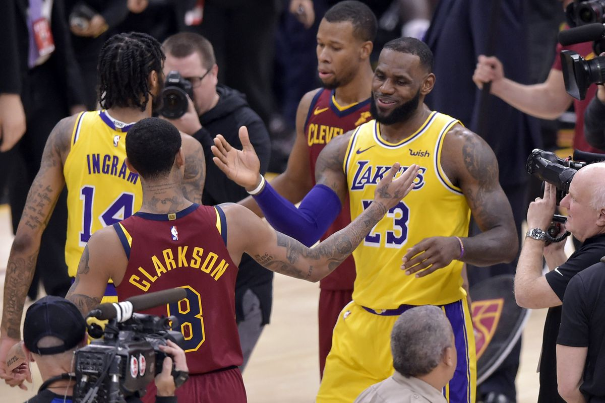 huge selection of f304d 523e2 Maverick Carter says LeBron James may try to buy Cavaliers ...