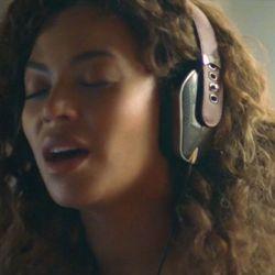 Headphones by PRYMA.