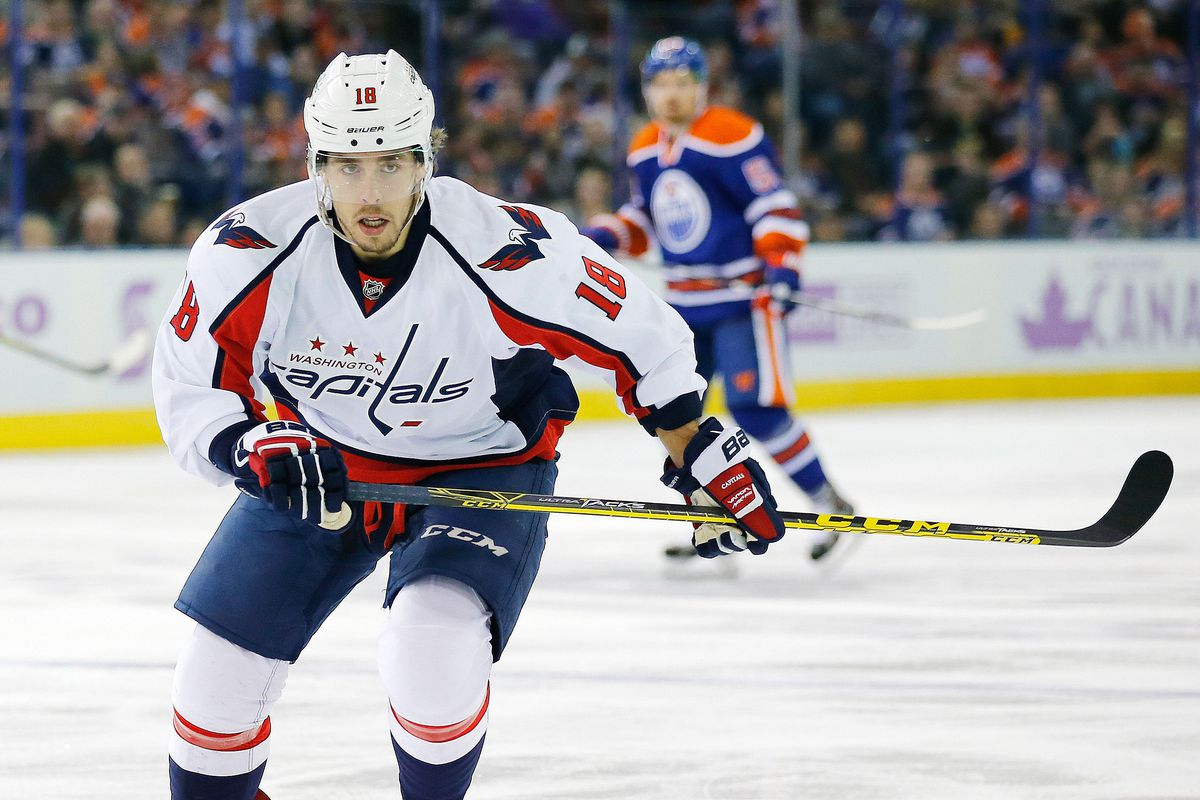 buy popular 24f1b 8e425 Capitals Re-Sign Forward Chandler Stephenson to Two-Year ...