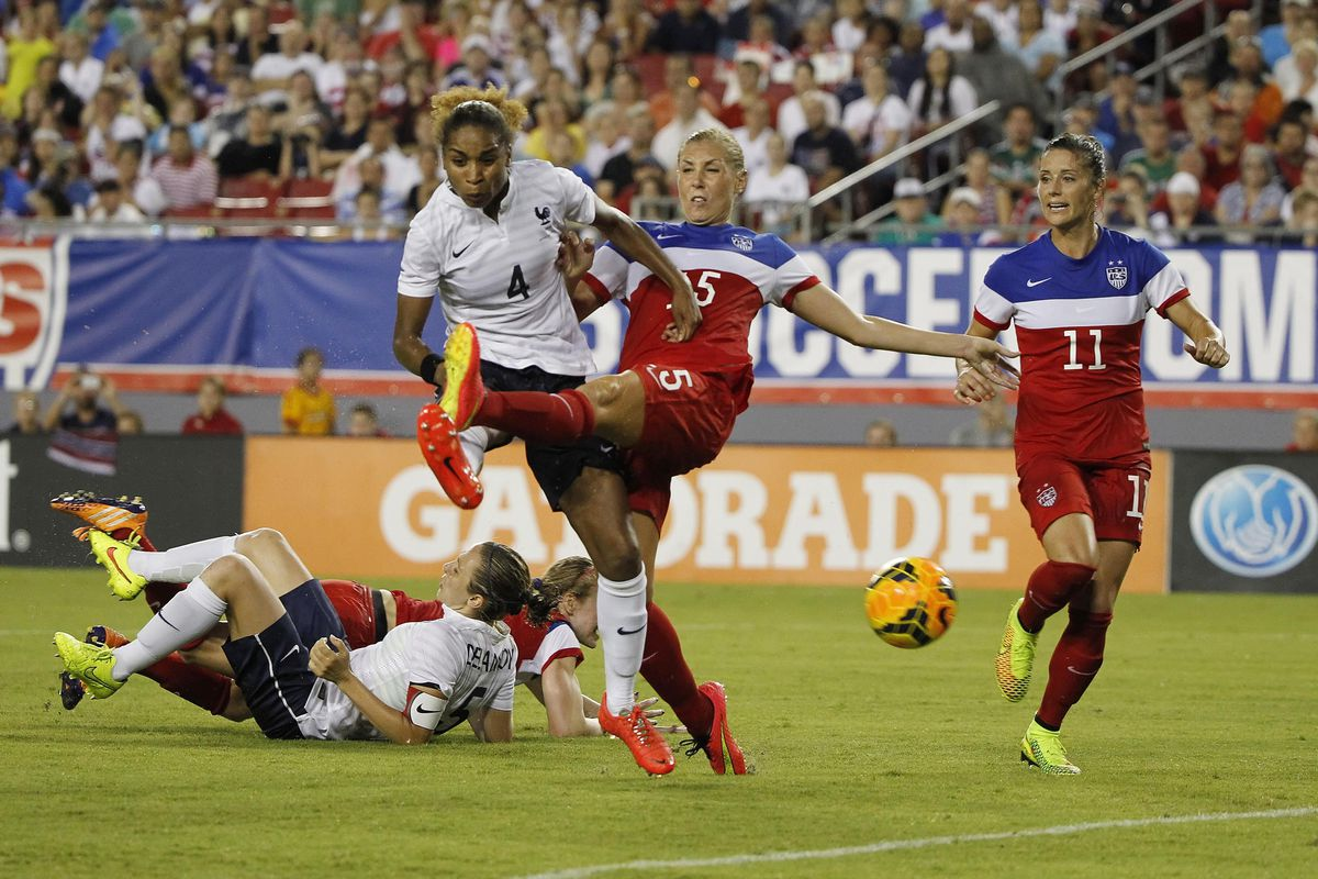 Midfielder Allie Long is looking for her first goal of the 2016 season and will fight to contain the Seattle midfield Saturday night