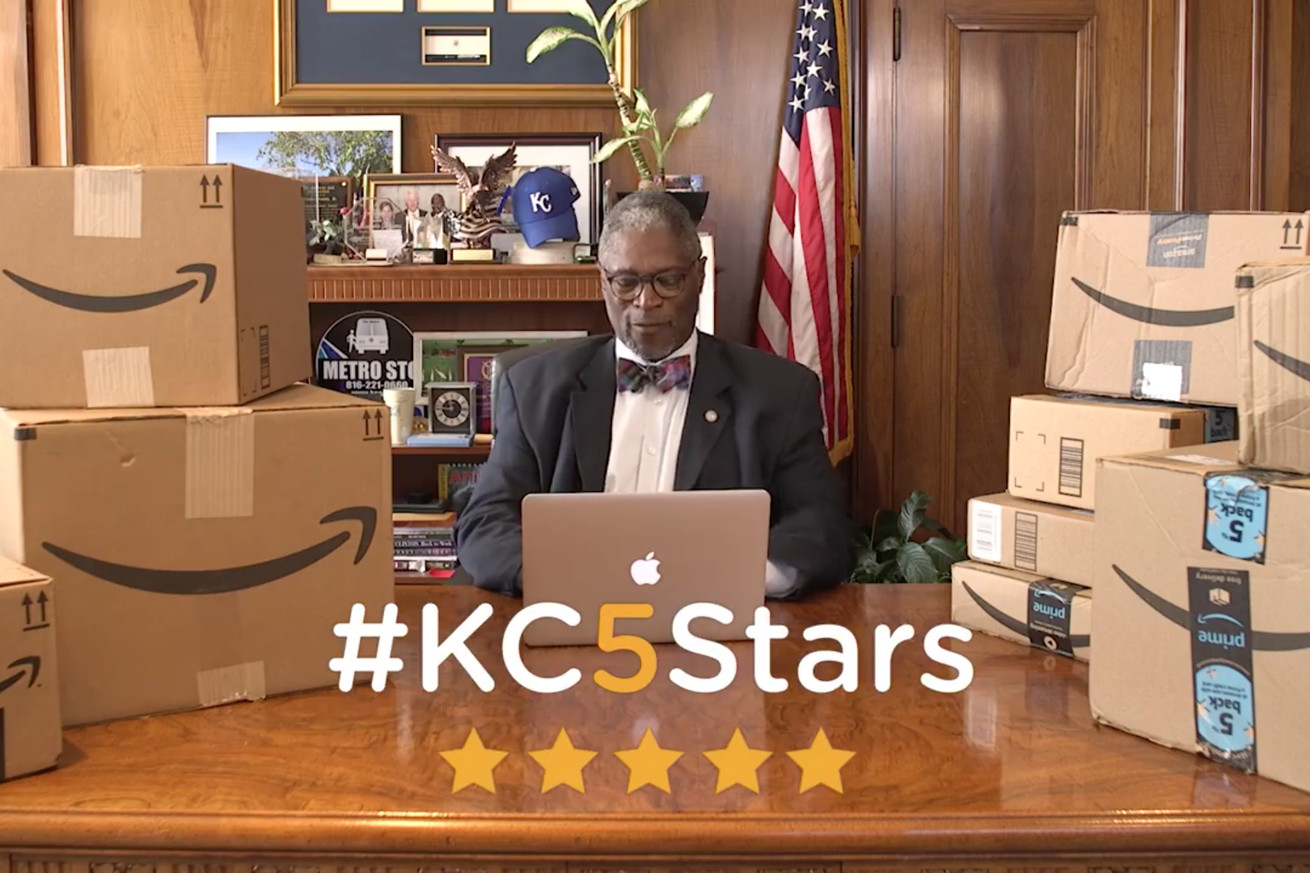 kansas city mayor gives 1 000 amazon products five stars in hopes of securing second headquarters