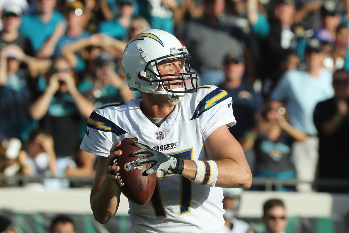 Doctors Clear Chargers Quarterback Philip Rivers to Play Following Concussion