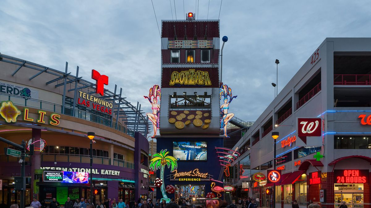 How To Eat And Drink Your Way Through Downtown Las Vegas In
