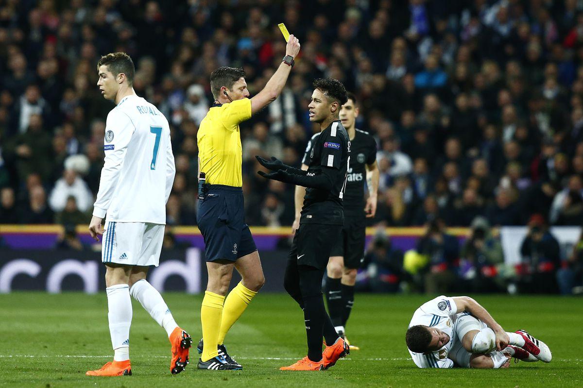 皇马对巴黎圣日耳曼队 - 欧洲冠军联赛16强赛:第一回合比赛