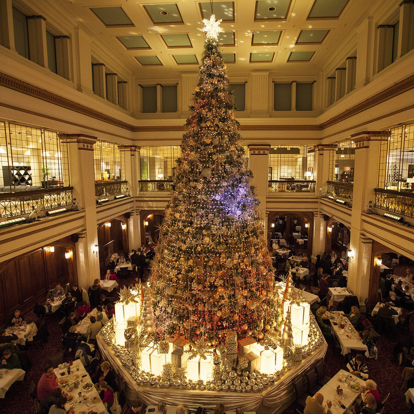 110 year old walnut room on state street wont close macys spokeswoman eater chicago - Is Macys Open On Christmas