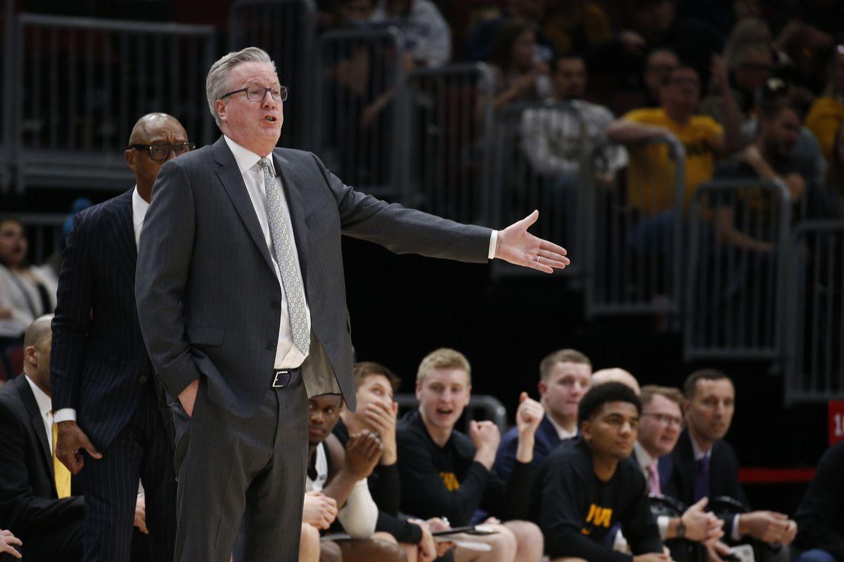 NCAA Basketball: Cincinnati at Iowa