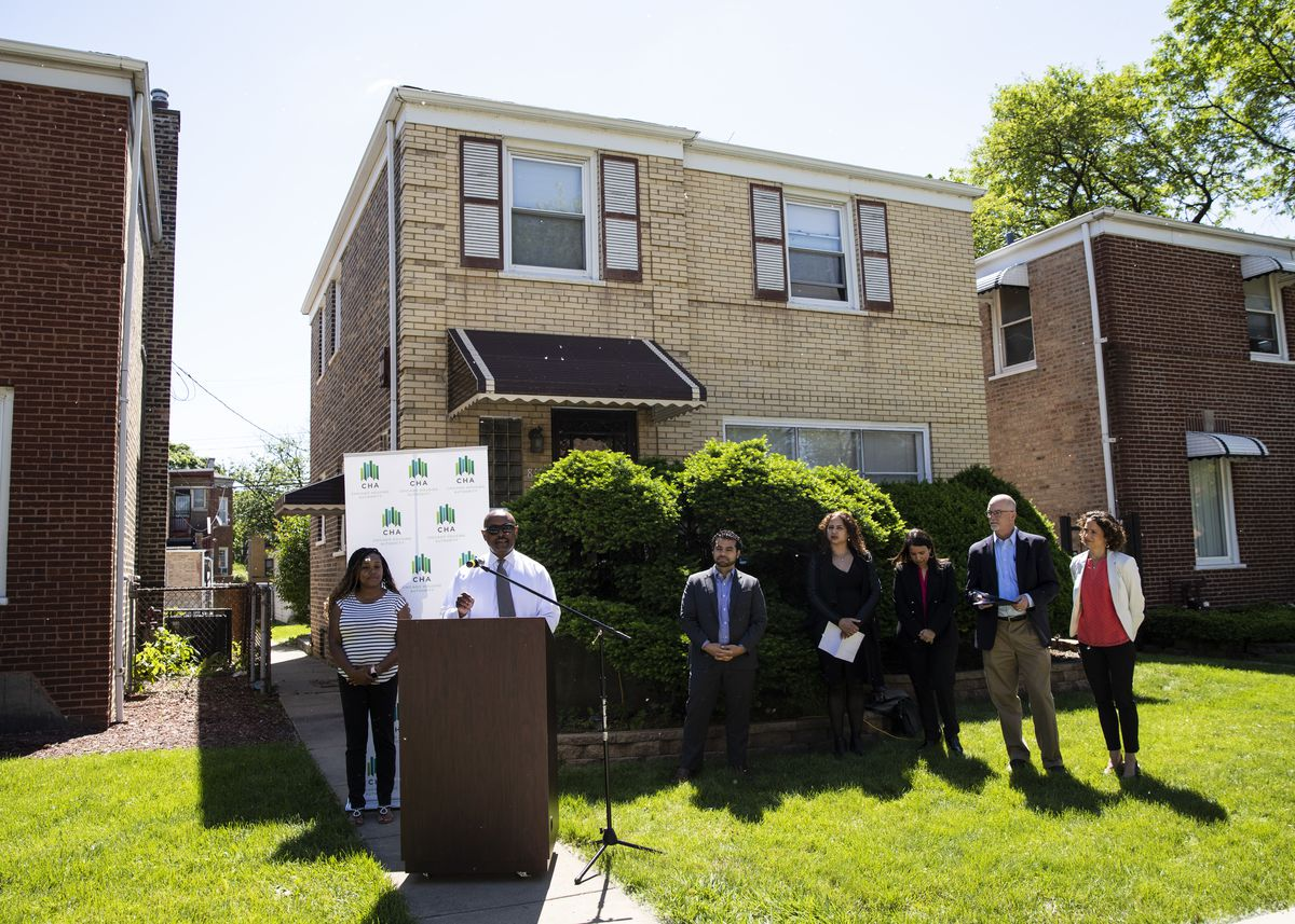 Eugene Jones, Jr., CEO of the Chicago Housing Authority, speaks at a press conference.