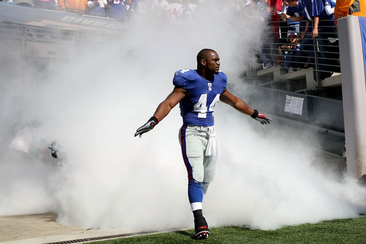 """Ahmad Bradshaw should be flying <a href=""""http://www.youtube.com/watch?v=3IoPeNC4k_0"""">above the clouds</a> while Brandon Jacobs recovers from an MCL injury. Please ignore the stands over his left shoulder."""