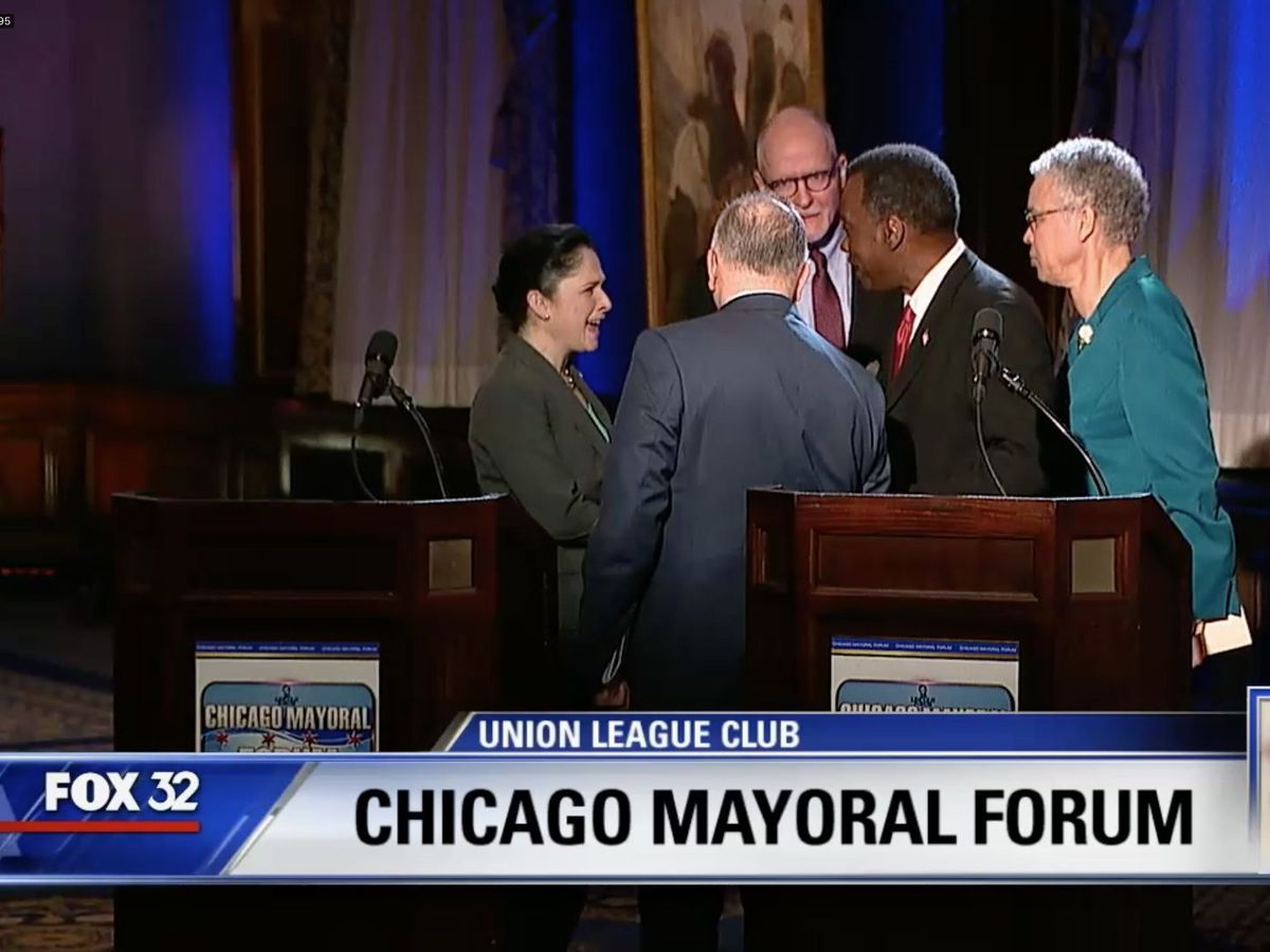 Mayoral candidates, left to right, Susana Mendoza, Gery Chico, Paul Vallas, Willie Wilson and Toni Preckwinkle chat after Thursday's debate. Screen image.