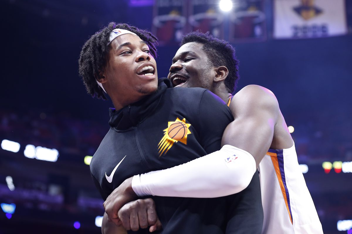 Did James Jones drop a bomb by mentioning Deandre Ayton as a PF?