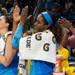 The Sky celebrate their 105-76 win over the Mercury in round 1 of the playoffs.