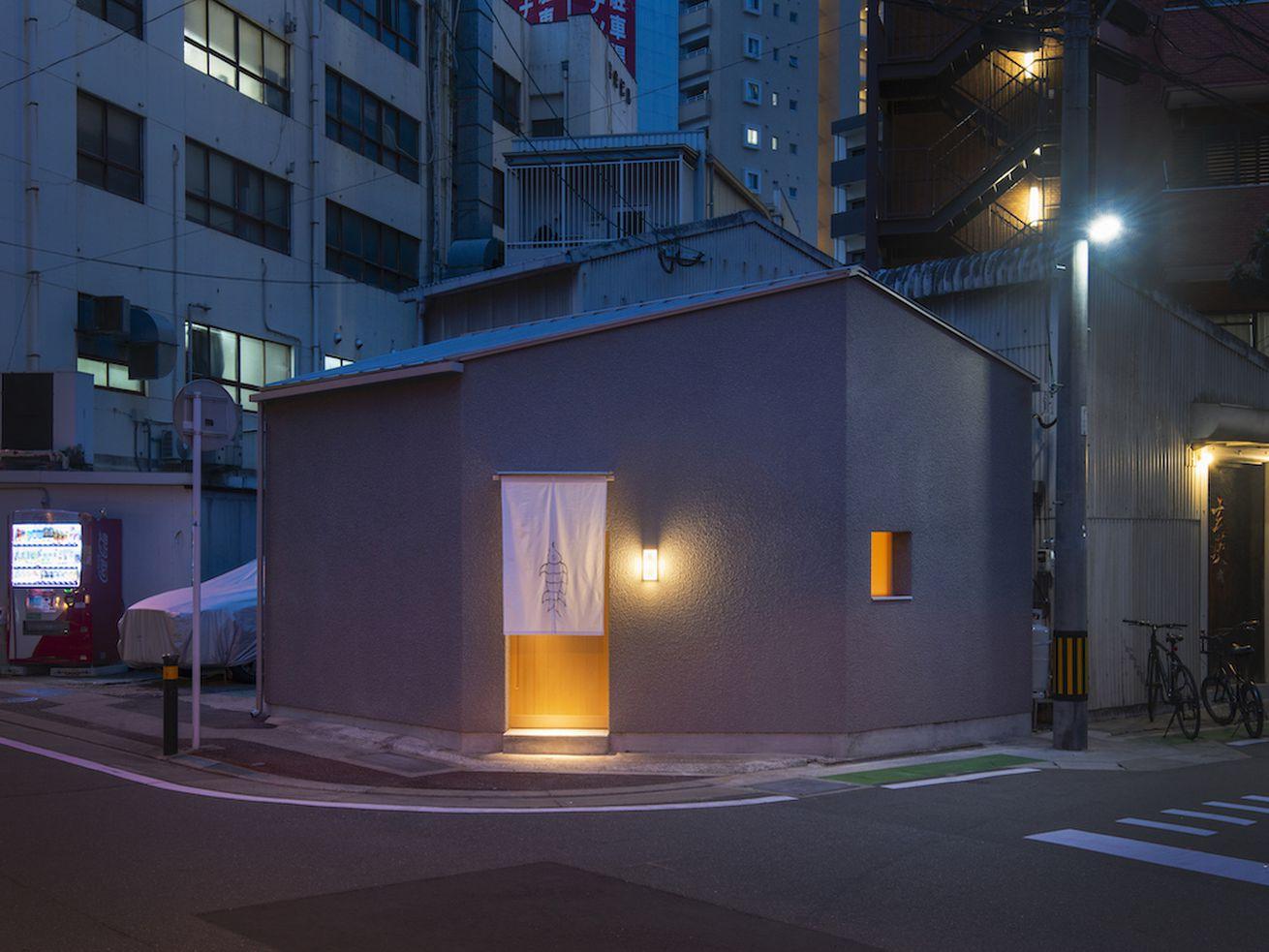 Minimalist sushi restaurant in Japan makes gorgeous use of wood
