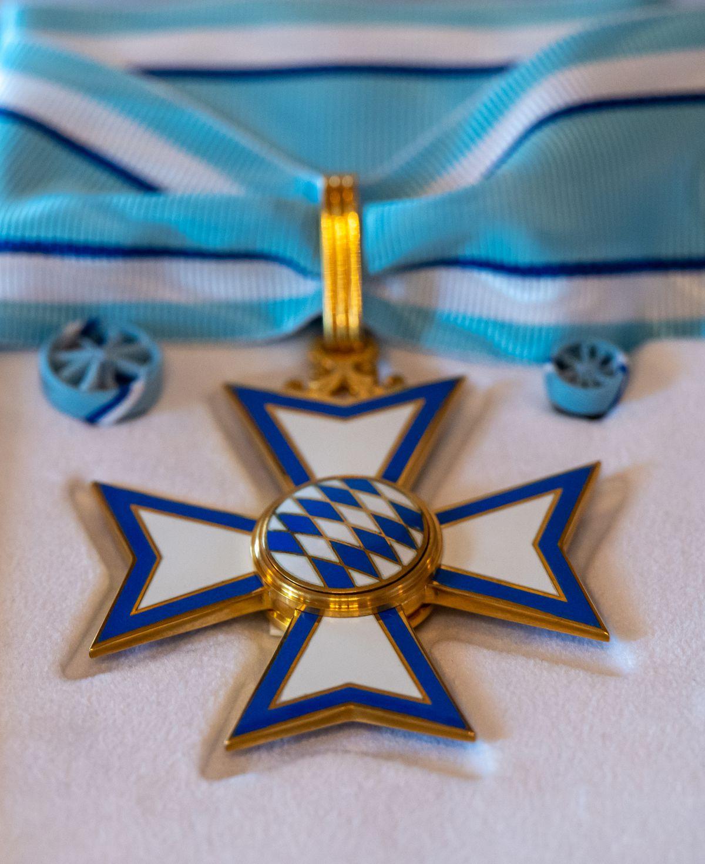 Manuel Neuer receives Bavarian Order of Merit