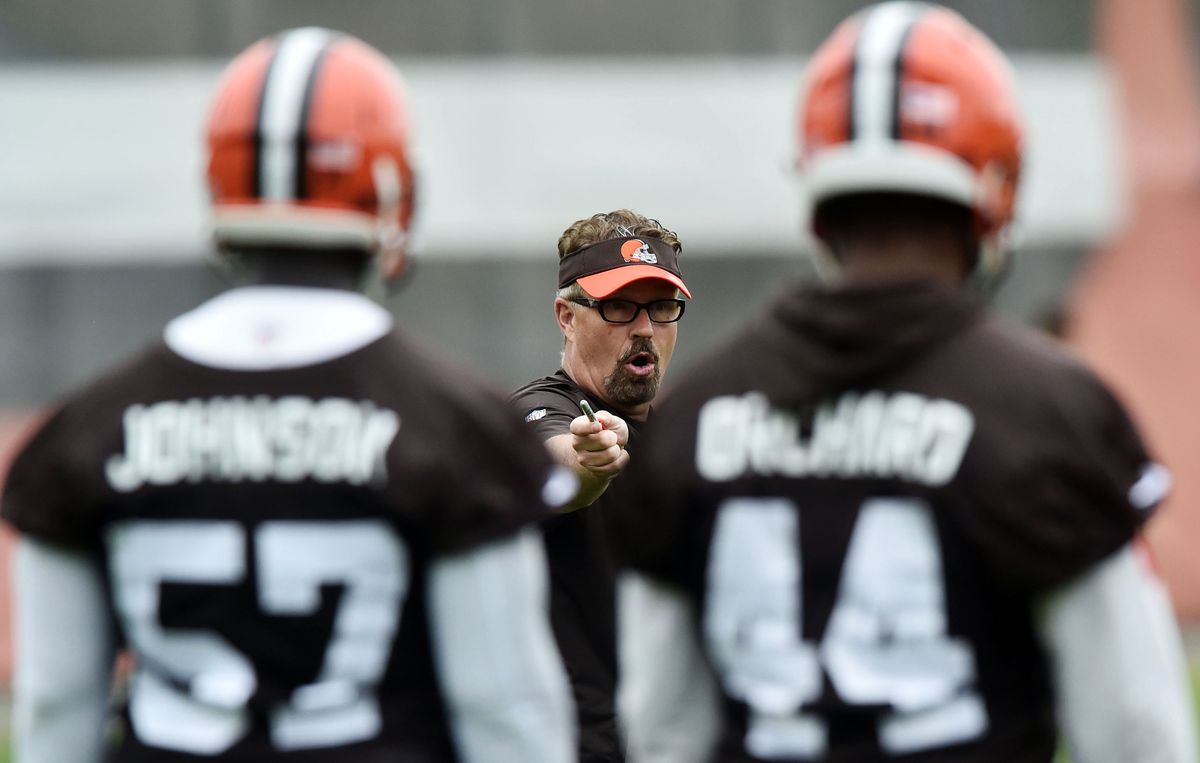 BEREA, OH:  Cleveland Browns defensive coordinator Gregg Williams instructs the defense during organized team activities at the Cleveland Browns training facility.