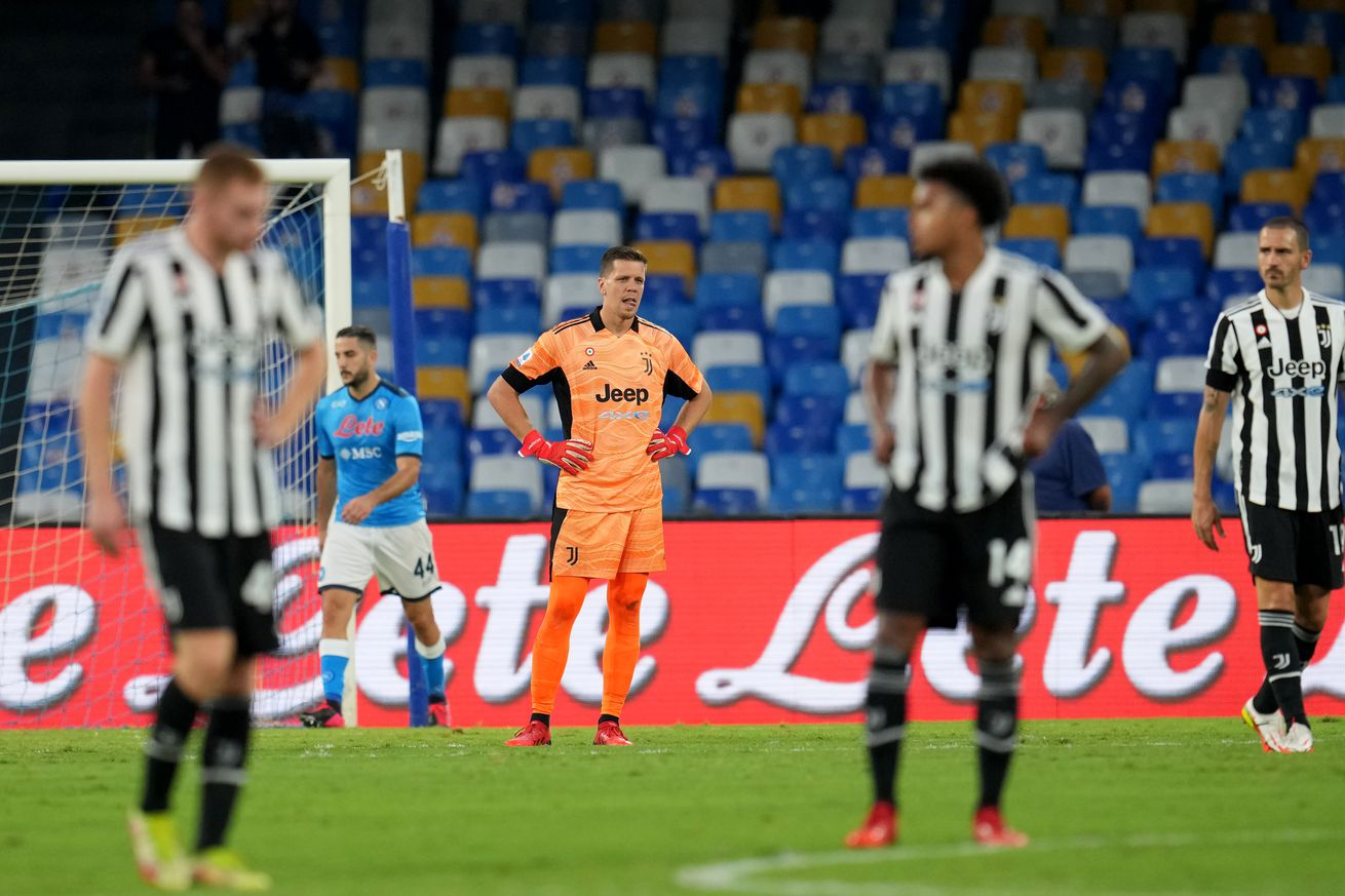 Juve self-destruct again, fall to Napoli as horror start continues