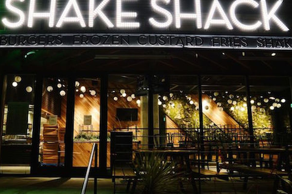 All hail the meat gods. Shake Shack is coming to Dallas.