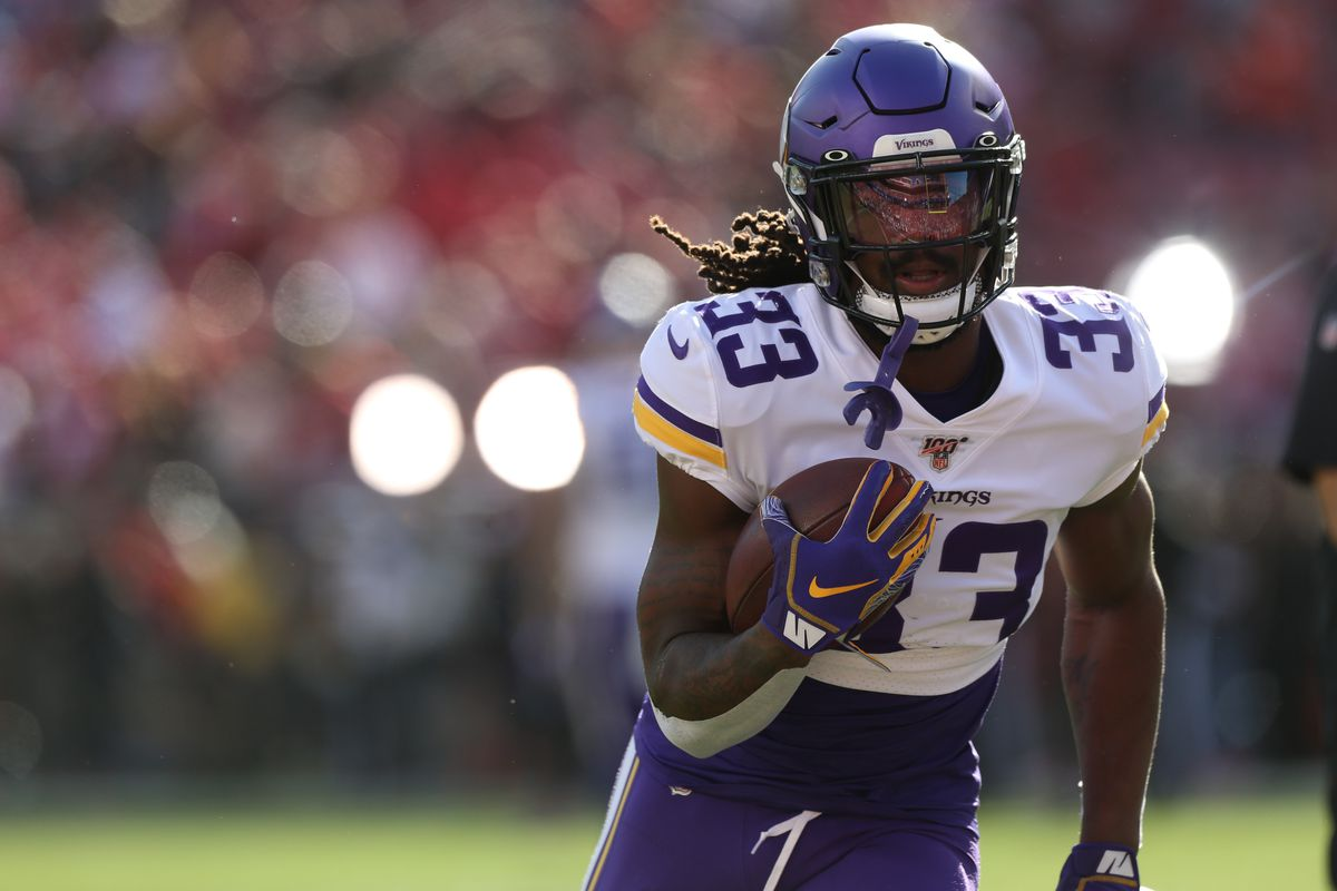Minnesota Vikings running back Dalvin Cook warms up before the start of the game against the San Francisco 49ers in a NFC Divisional Round playoff football game at Levi's Stadium.