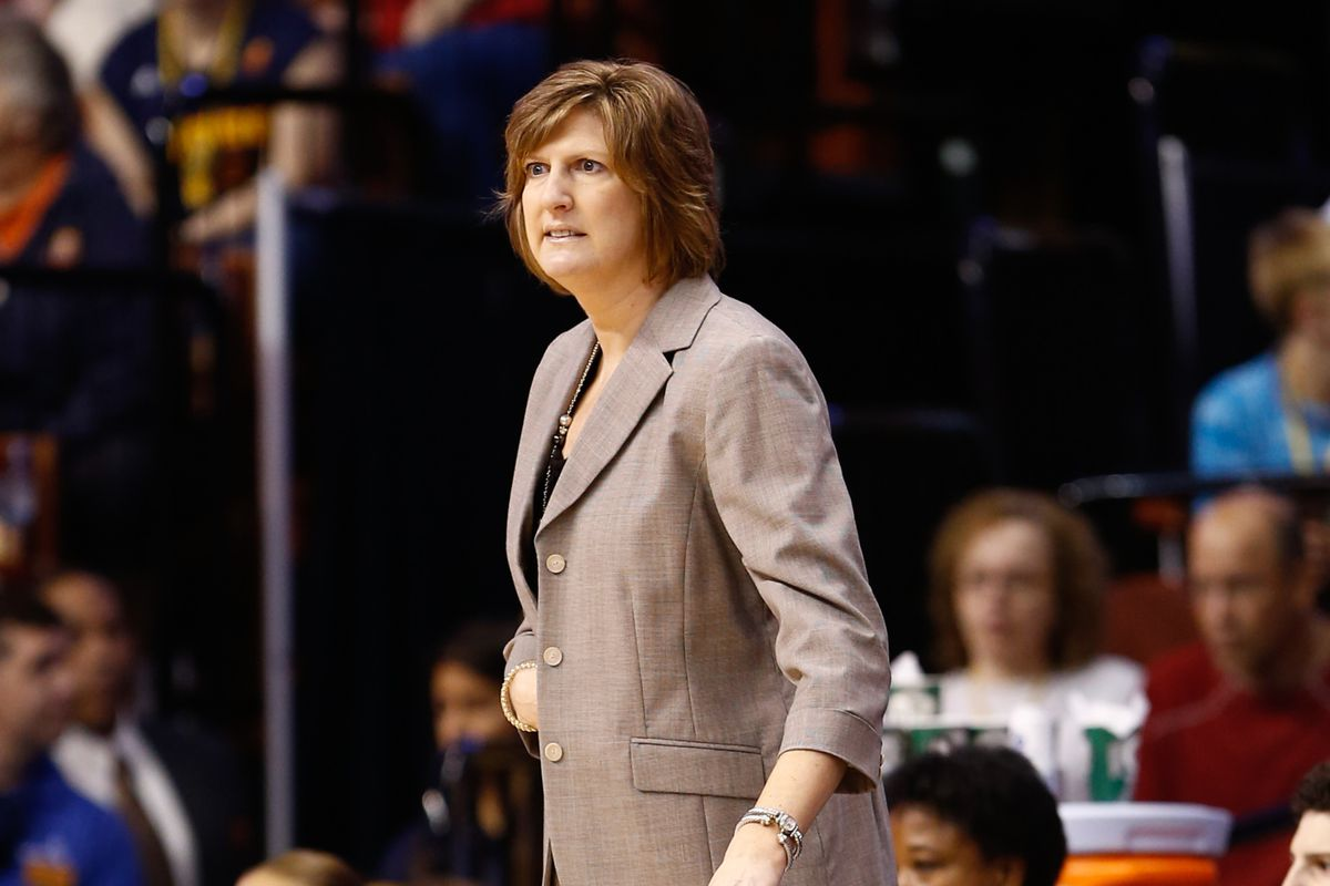 Anne Donovan and the Connecticut Sun look to bounce back up the Eastern Conference standings tonight against the Indiana Fever.