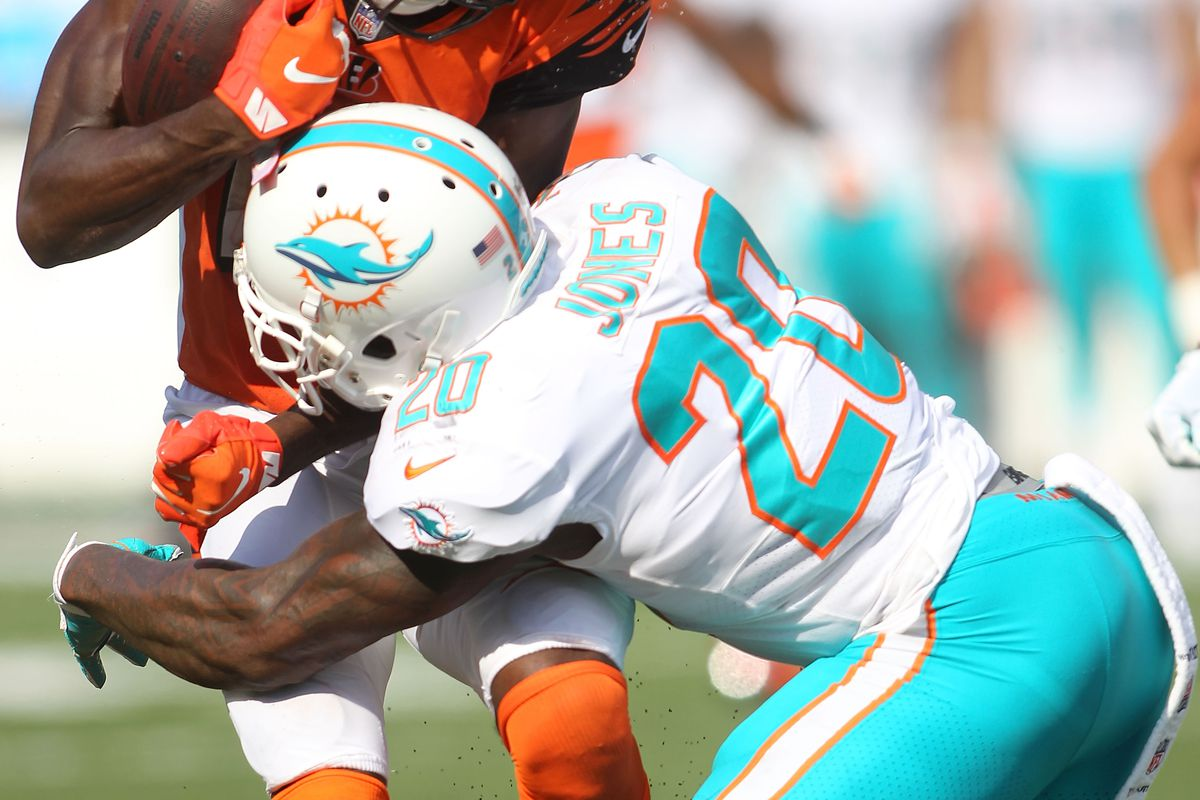 902eb1231 The Splash Zone 10 10 18  Miami Dolphins Defense Playing Well Enough ...