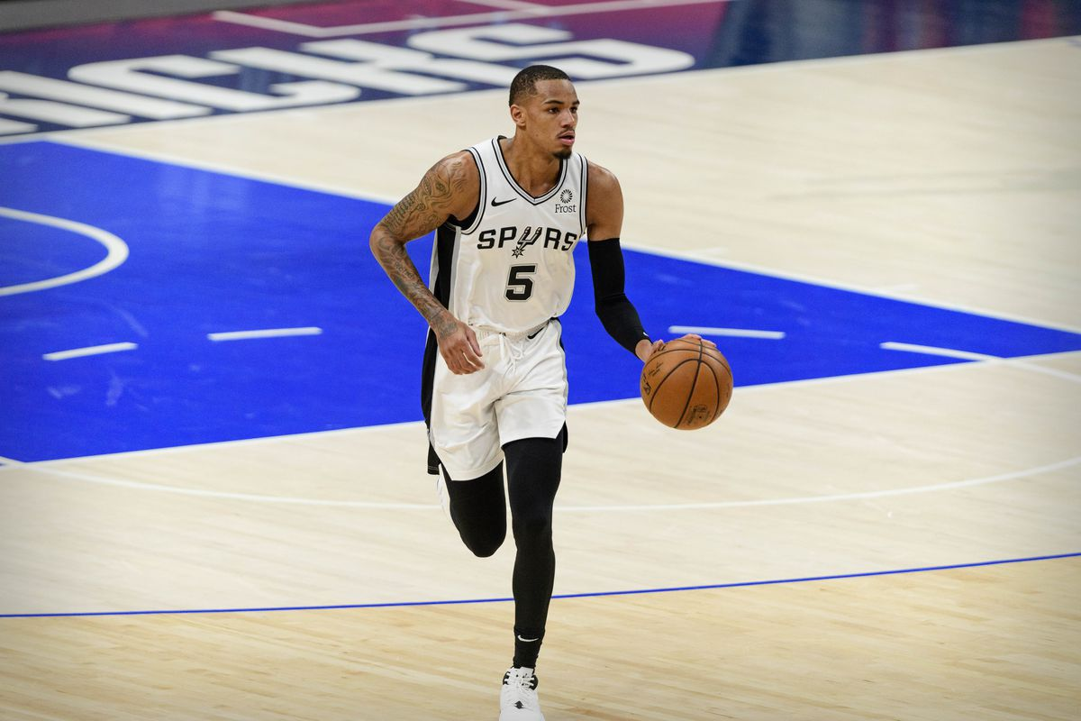 San Antonio Spurs guard Dejounte Murray (5) in action during the game between the Dallas Mavericks and the San Antonio Spurs at the American Airlines Center.