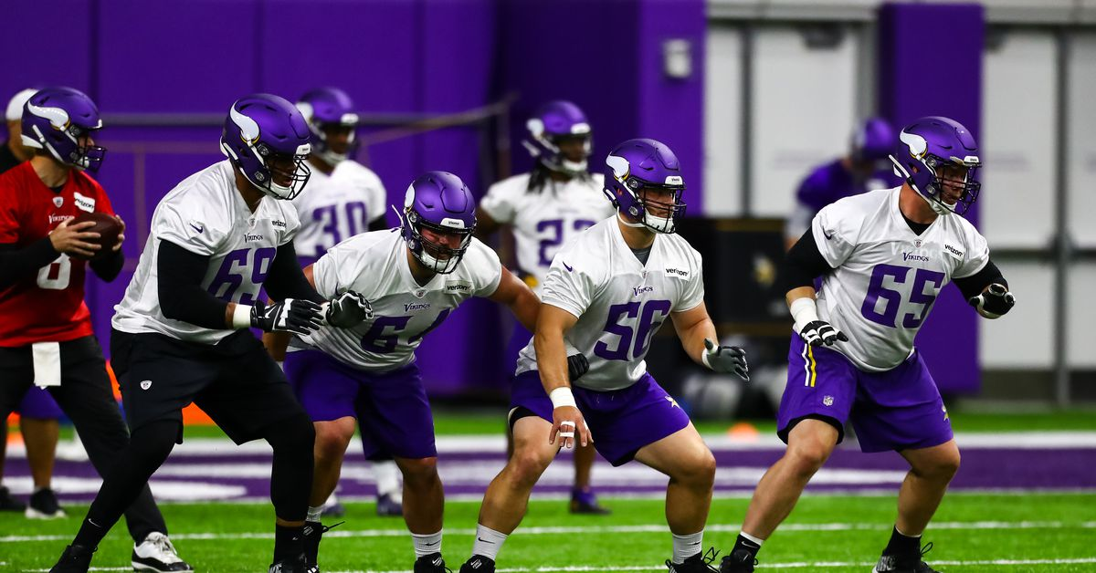 Vikings Offensive Line: Garrett Bradbury starts OTAs at center