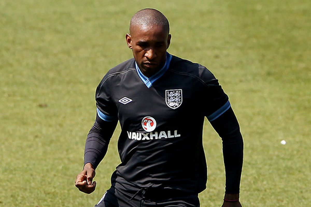 Defoe training with the National Team