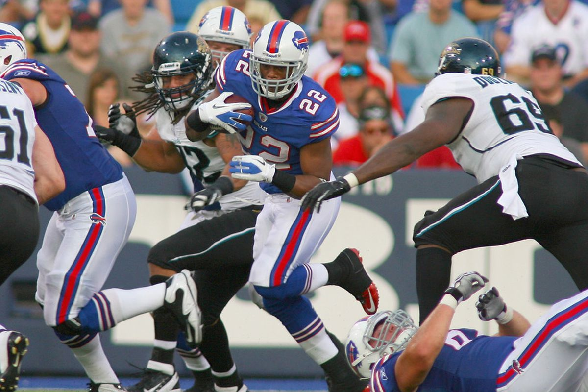 ORCHARD PARK, NY - AUGUST 27: Fred Jackson #22 of the Buffalo Bills runs against the Jacksonville Jaguars at Ralph Wilson Stadium on August 27, 2011 in Orchard Park, New York.  (Photo by Rick Stewart/Getty Images)22