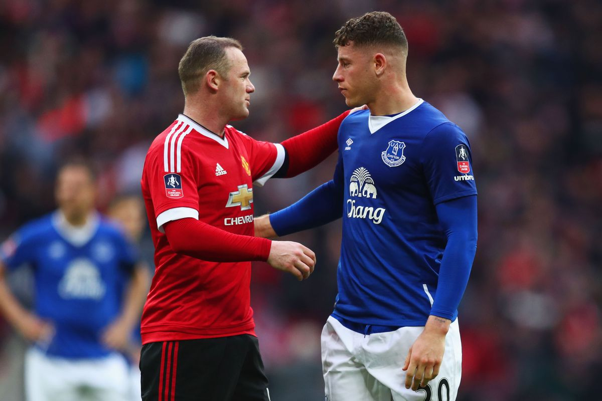Wayne Rooney urges midfielder Ross Barkley to stay at Everton