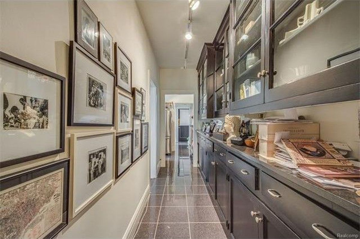 Classic Indian Village Manor Condo Asks 299k Curbed Detroit