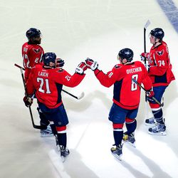 Laich and Ovechkin Fist Bump