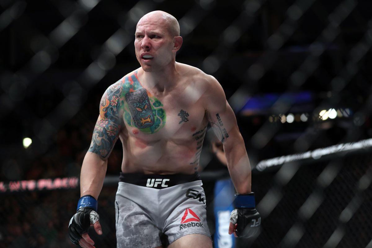 MMA: UFC Fight Night-Winnipeg-Emmett vs Lamas