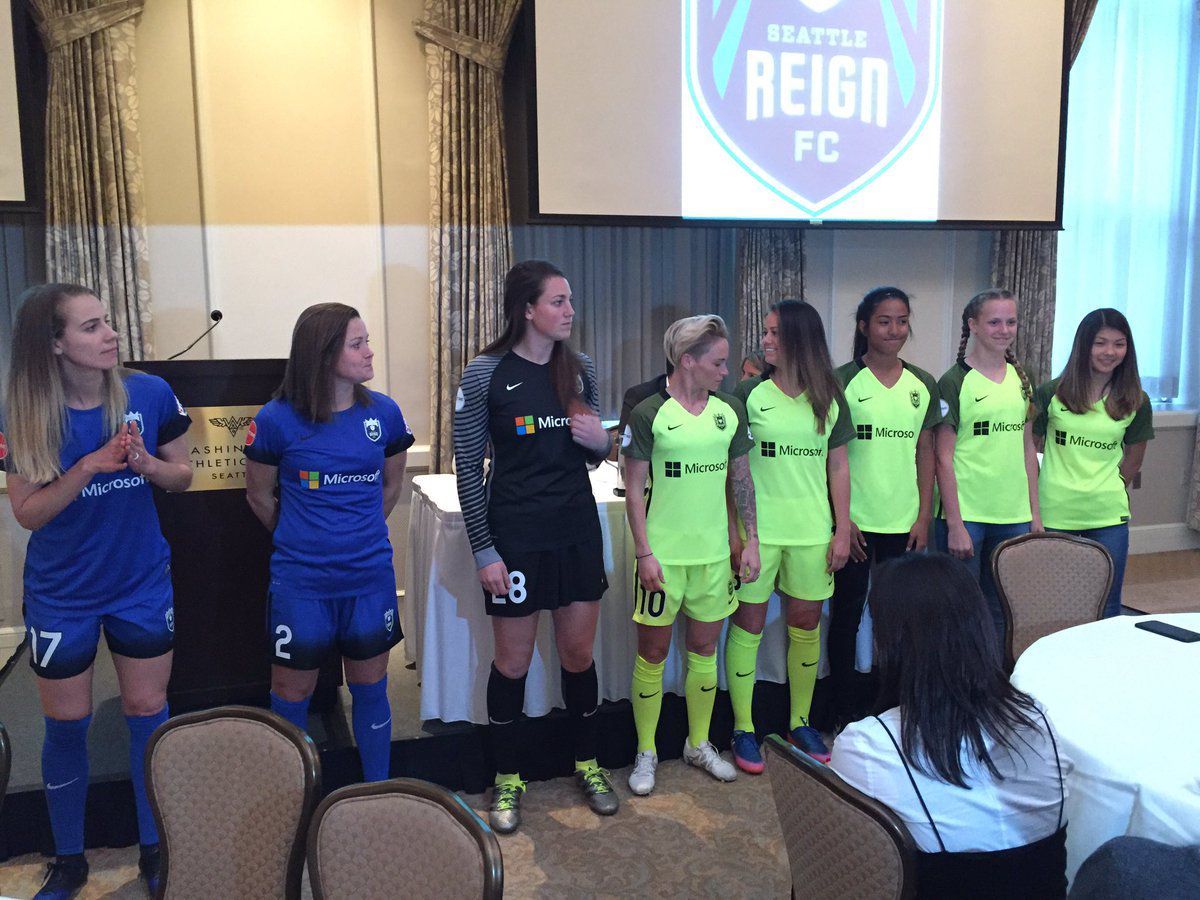 Reign alternate kit 2017 features bright yellow with olive sleeves