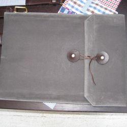 Padded laptop folio.