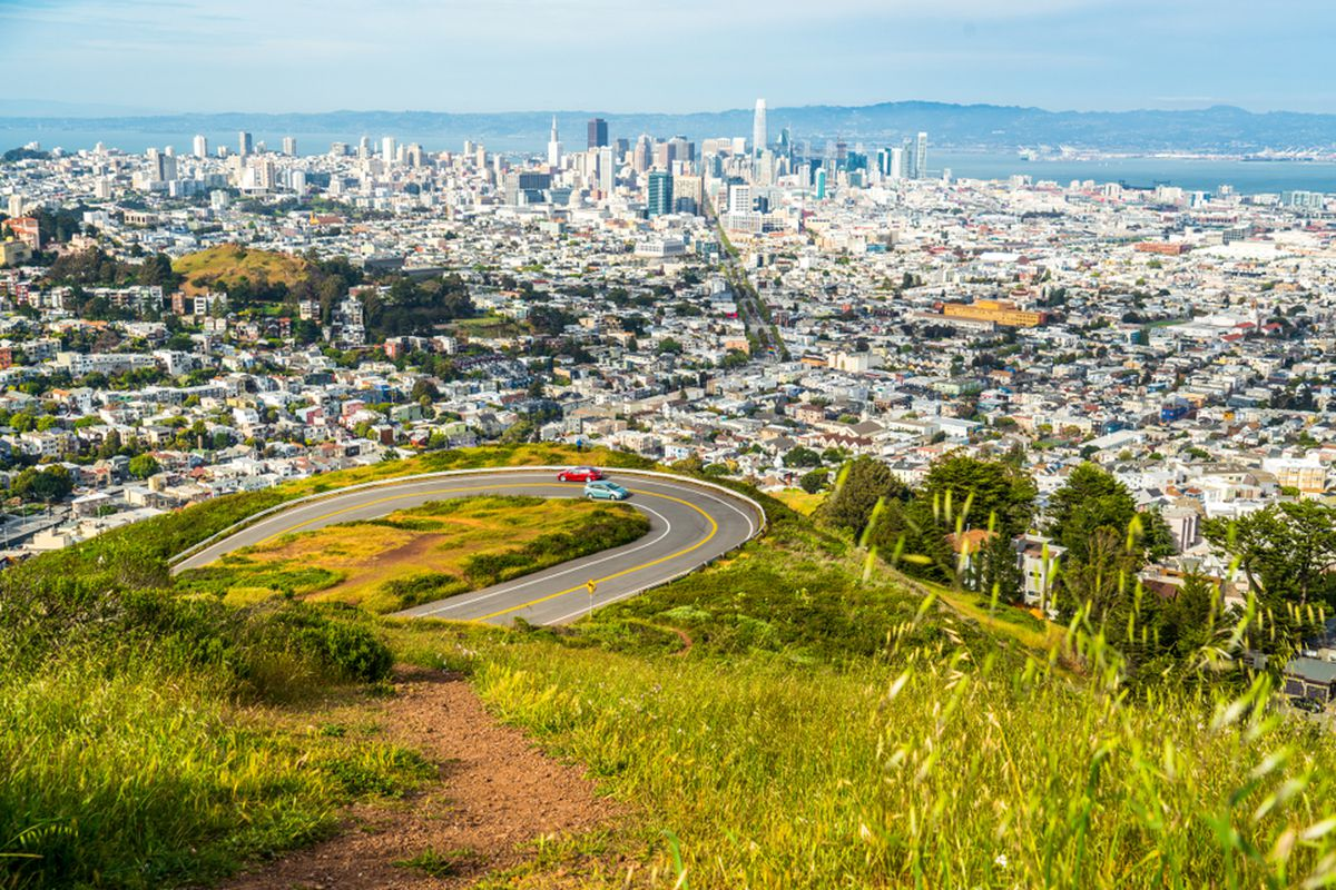 0efa6650be2 To buy an average home in San Francisco requires 9 year's of income ...