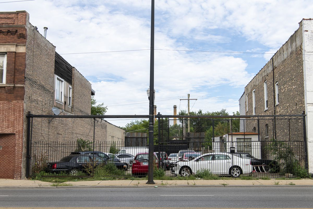 The lots at 645 and 647 N. Cicero Ave. that Obed Ornelas bought from the Cook County Land Bank Authority.