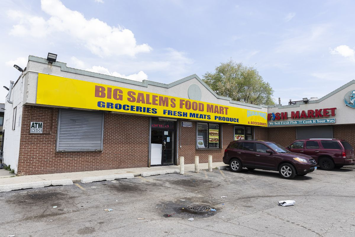 Big Salem's Food Mart at 1724 E. 71st St. in Southshore, Thursday, May 20, 2021. | Anthony Vazquez/Sun-Times