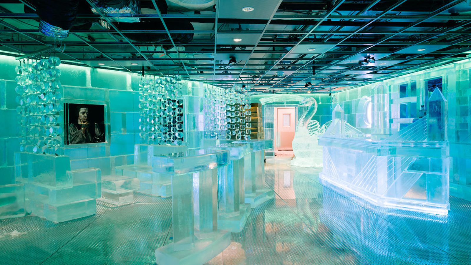 Behold frost ice bar 39 s frozen glory eater boston for Places to move to