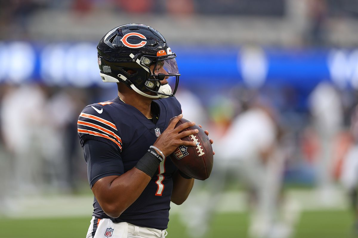 Bears quarterback Justin Fields warms up before Sunday's game.
