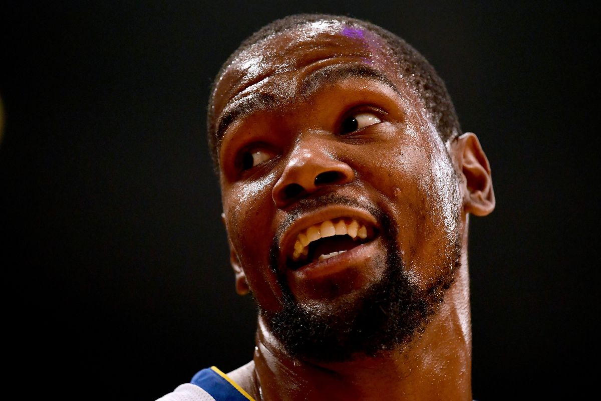 """bf5bbed22992 Warriors video  Kevin Durant yells """"bang on his ass!"""" during game ..."""