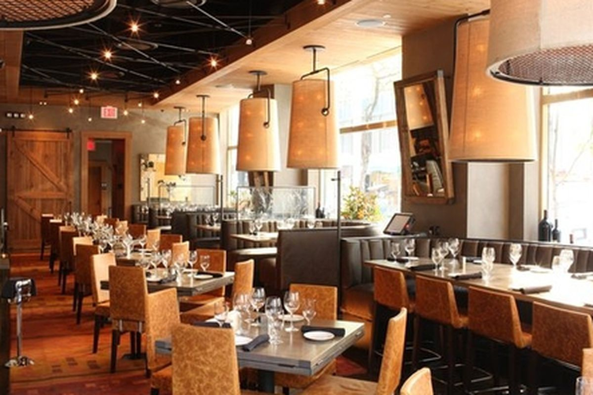 """<a href=""""http://luxecrush.com/grazing/article/this-just-in-del-friscos-grille-to-inhabit-former-craft-atlanta-space"""">Photo</a>"""