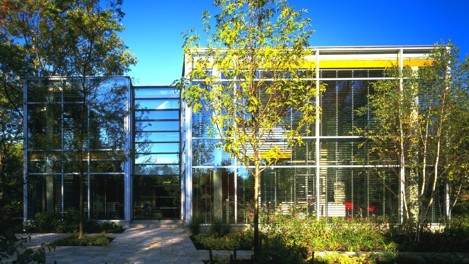 Chicago Architect Lists Suburban Glass House For 3 1m