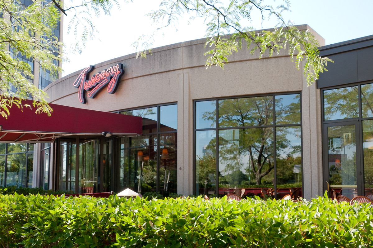 Oakbrook Mall Hours >> Phil Stefani Group To Revive Tuscany Oak Brook With Osteria 22