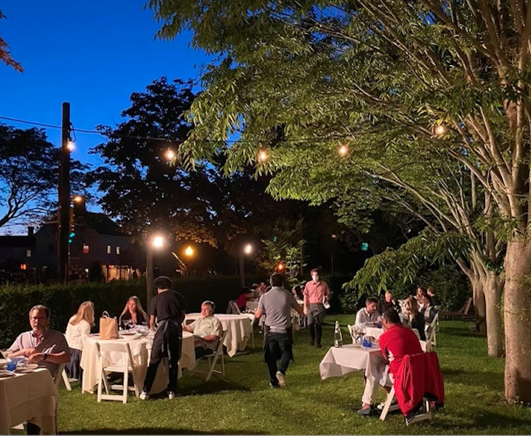 outdoor dining in the hamptons