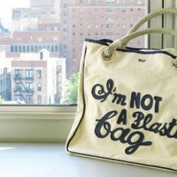 """Anya Hindmarch's 2007 bag that embraced the message - still available on <a rel=""""nofollow"""">eBay</a>"""